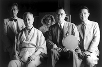 Takeji Fujishima and Shojiro Ishibashi (1942). From right to left: Kanichiro Ishibashi, Shojiro, Fujishima, and Shin Iwasa. In the background, Fujishima's Black Fan.